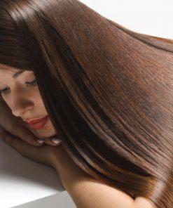 Mani nei capelli 5 trattamenti donna