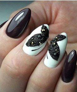 fashion beauty manicure con applicazione semipermanente gel