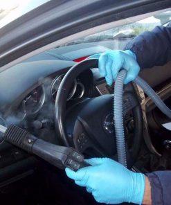 pulizia auto utilitaria e trattamento igienizzante