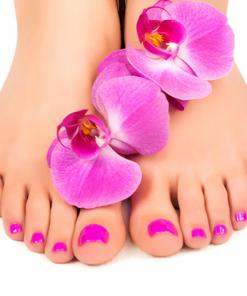 salone creativa pedicure massaggio applicazione smalto